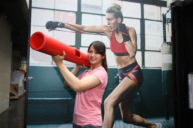 角力美少女陳玟陵出席運動品牌活動,也分享我的冠軍女兒觀影心得。(李弘斌攝)