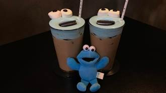 韓國咖啡廳有藍色芝麻街拿鐵 超可愛玩具怪獸咖啡廳