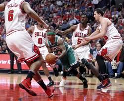 NBA》公牛教練:小刺客狂走步 沒人守得住
