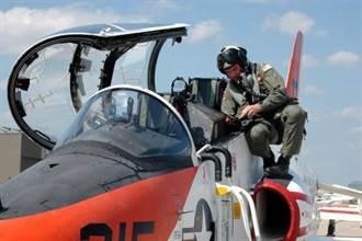 氧氣罩下的原理:戰機供氣系統