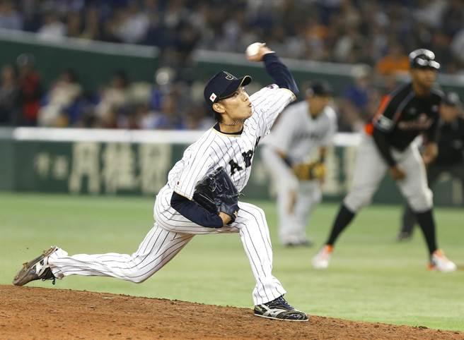 岡田俊哉經典賽後不振,成為日本隊第3位被下放二軍的投手。(美聯社資料照)
