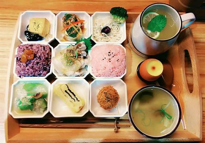 打破一般制式化擺盤。 (圖/FB@吾獨食驗室 Woo Doo Food Lab)