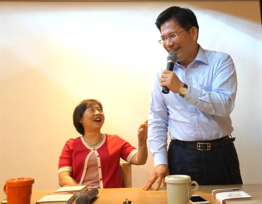 台中市長林佳龍與夫人廖婉如表示,不做鷹爸、虎媽,要讓孩子學到帶著走的能力。(盧金足攝)