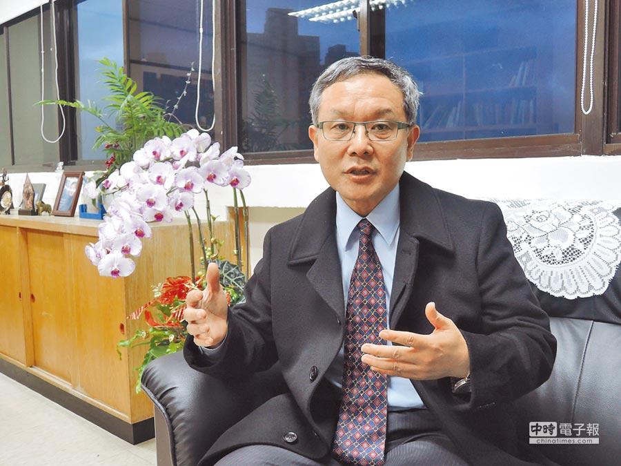 淡江大學國際研究學院院長王高成受訪指出,美國對於中國處理北韓依賴度高,限制川普的對台作為。(記者陳君碩攝)