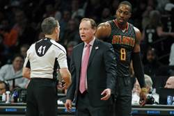NBA》沮喪加憤怒 霍華不滿首輪末節遭冰