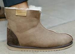 《新金融觀察》母公司尋求出售 UGG昔日神鞋風光不再