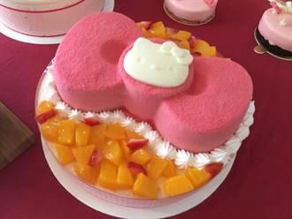 討好媽媽蛋糕也飆顏值 Kitty PK玫瑰花