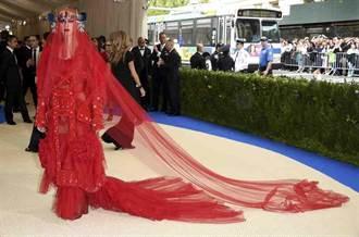 多圖》Met時尚晚宴裙魔亂舞 好萊塢女星爭艷