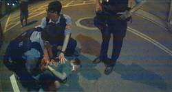 爺輩通緝犯跑給警方追 年老體衰跑不動被逮