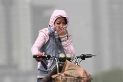 受蒙古沙塵暴影響 北京市PM10濃度破千