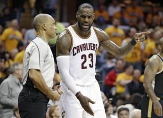 NBA》詹姆斯鼓勵貝弗利走出喪親之痛