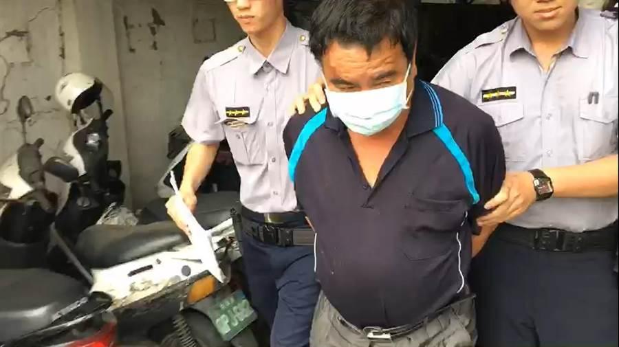 藍姓男子酒駕去醫院途中遭警方查獲。(王揚傑翻攝)
