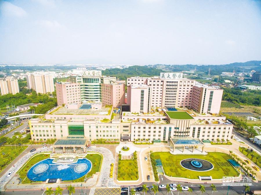 高雄燕巢的義大醫院以病患為中心,提供專業、溫馨、資訊化之醫療水準聞名。圖/業者提供