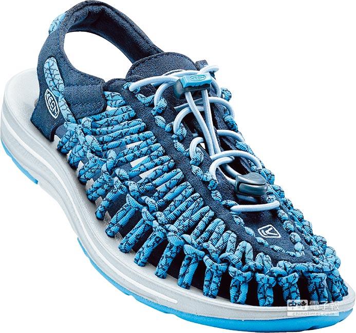 KEEN UNEEK男款涼鞋採用編織彈性繩索鞋面,讓鞋款更服貼舒適,3280元。