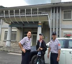 日籍遊客慕名瑞穗溫泉 員警熱誠指引服務