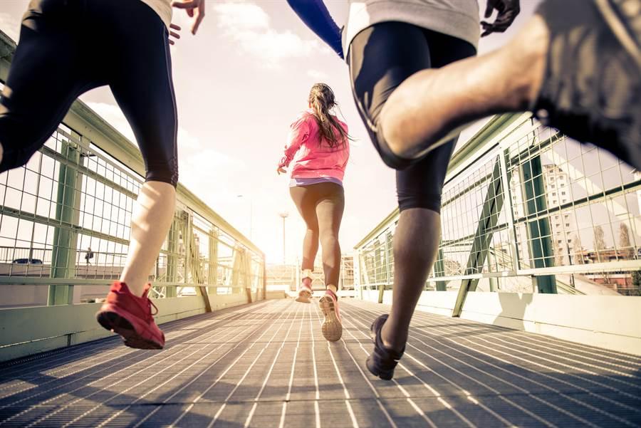運動物理治療師提供運動處方的評估、設計與諮詢,運動傷害預防與治療,扮演運動領域健康守護者的角色。(圖/達志)
