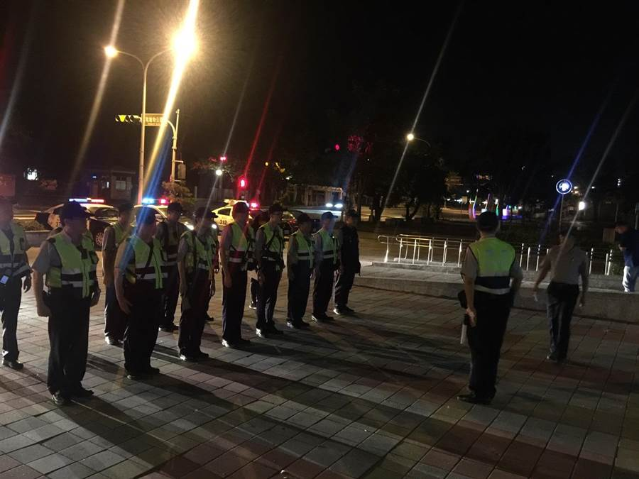針對南投縣議員簡峻庭被傷害案,警方執行深夜擴大臨檢。(廖肇祥翻攝)