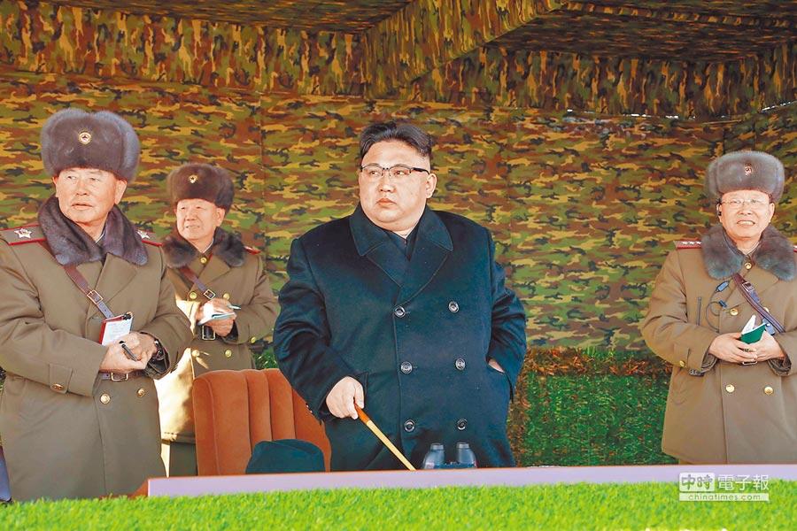 北韓官媒說大陸應感謝北韓保護大陸的安全。圖右為北韓最高領導人金正恩。(新華社資料照片)