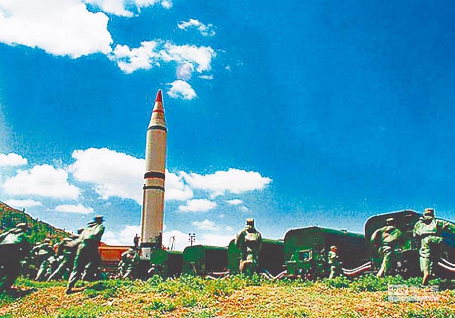大陸飛彈部隊訓練畫面。(取自環球網)