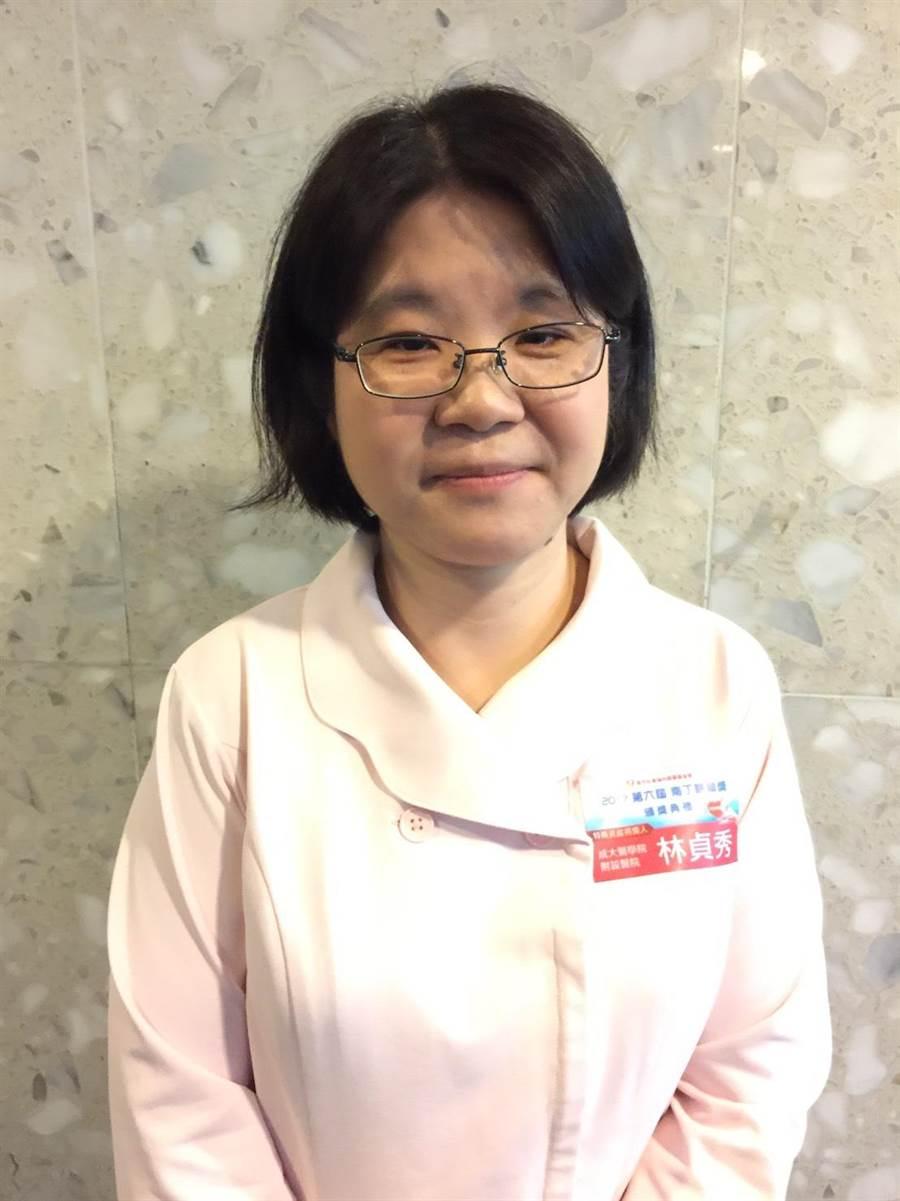 成大醫院早產兒個案管理師林貞秀,獲頒第六屆南丁格爾獎之特殊貢獻獎。(倪浩倫攝)