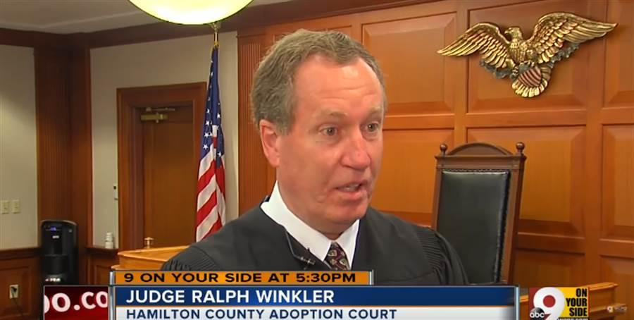 温克勒法官欣慰的表示這是他看過最獨一無二的案例。(圖/截取自Youtube-WCPO.com 9 On Your Side)