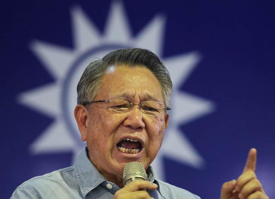 國民黨主席候選人詹啟賢(如圖)7日在鳳山發表政見,他表示國民黨要走出過往用錢綁樁和利益交換的不好文化,他參選就是要點燃黨內改革的火種。(王錦河攝)