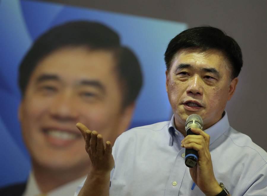 國民黨主席候選人郝龍斌(如圖)7日在鳳山發表政見,他表示當選後定窮盡洪荒之力推舉郭董出馬角逐總統,國民黨才有機會勝選重返執政。(王錦河攝)