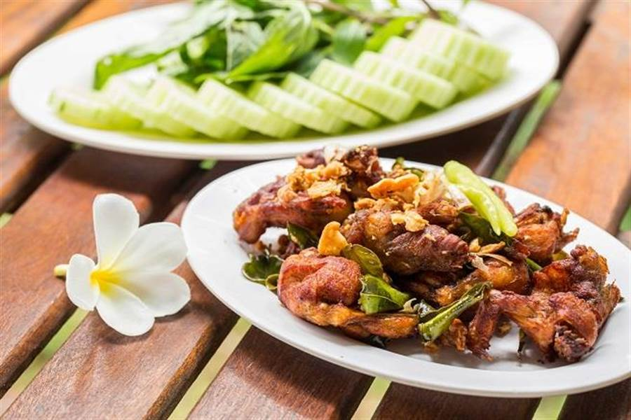越南特色小吃 – 炸青蛙。
