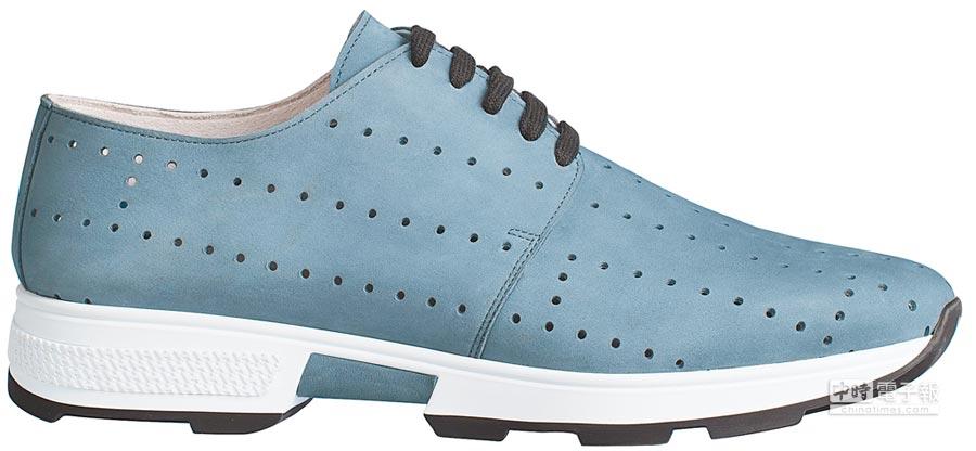 HERMES Omega系列霧面Epsom小牛皮運動男鞋,2萬7300元。