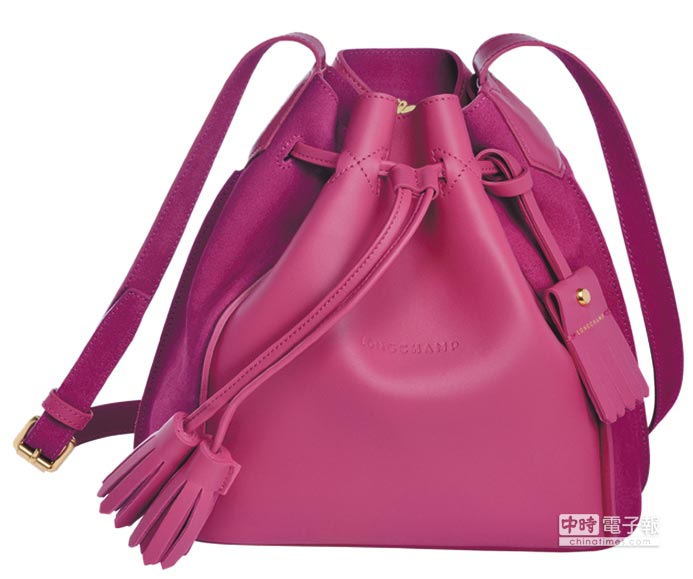 Longchamp Penelope Fantaisie系列水桶包,2萬8600元。