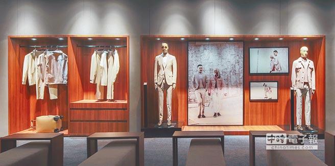 展場2樓以步入衣櫥的方式呈現雙王拍攝「頓悟時刻」影片時所穿著的春夏系列服飾。