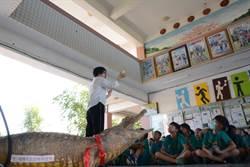 鱷魚進校園上課 同安國小另類親子教育