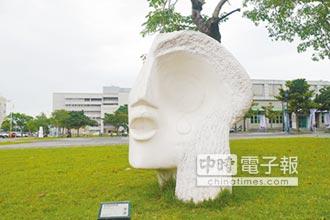 石雕藝品上百件 議員促設藝廊