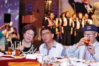 無視中監「5不」 陳水扁入席募款餐會坐主桌