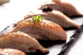 初夏鮭魚料理 跟果醋飲最速配!