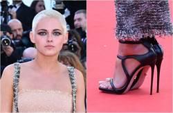 穿涼鞋走紅毯遭轟 暮光女嗆:叫男人穿高跟鞋啊!