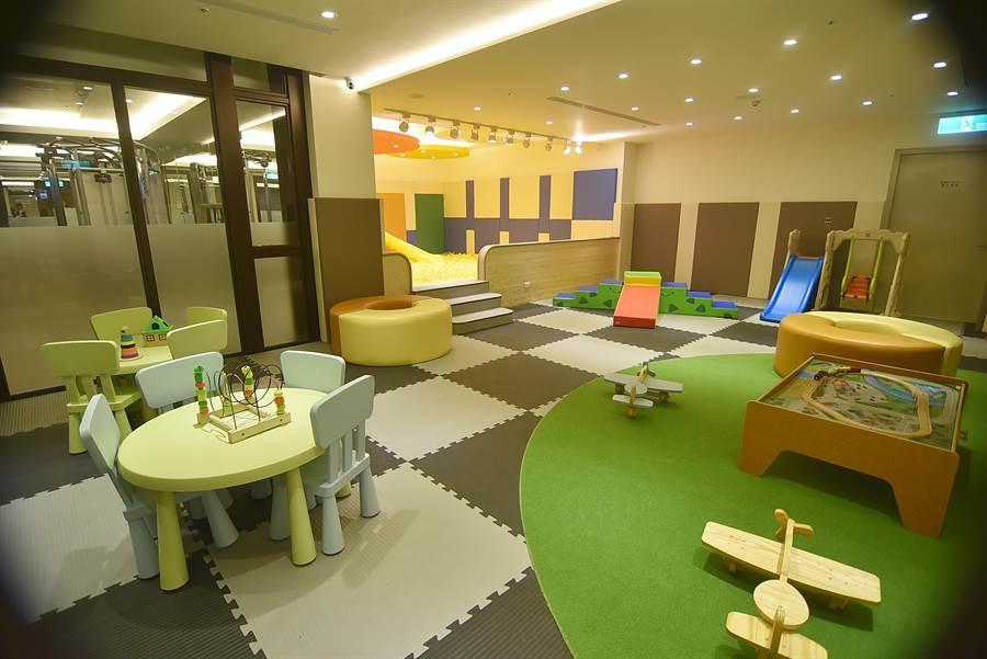 「五臟俱全」的宜蘭力麗威斯汀酒店設有兒童遊戲室。(圖/姚舜攝)