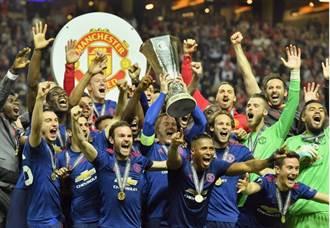 曼徹斯特恐攻後 紅魔曼聯舉起歐霸冠軍