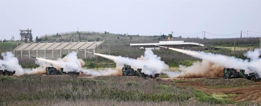 雷霆2000多管火箭將在漢光35號操演中大展火力。(中央社)