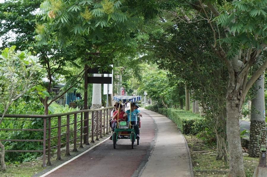 東豐綠廊朴子段,一度傳出擬割讓2.6公里與東豐快共構,市長林佳龍於臉書宣佈「更改工法,完整保留」。(王文吉攝)