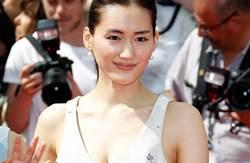 綾瀨遙人氣低迷 傳學長澤雅美脫了