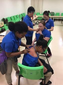 中國醫術好神 美國護理系師生來觀摩