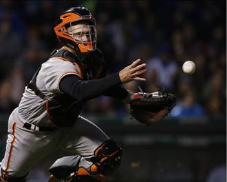 MLB》隊友挨揍 巨人鐵捕波西為何站著看?