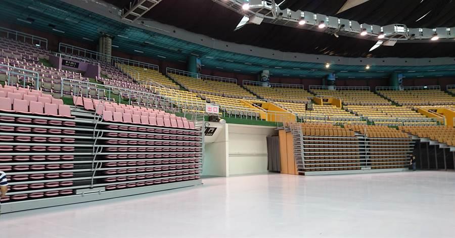 整修過後的桃園市立體育場,將作為世大運跆拳道比賽場地。(甘嘉雯攝)