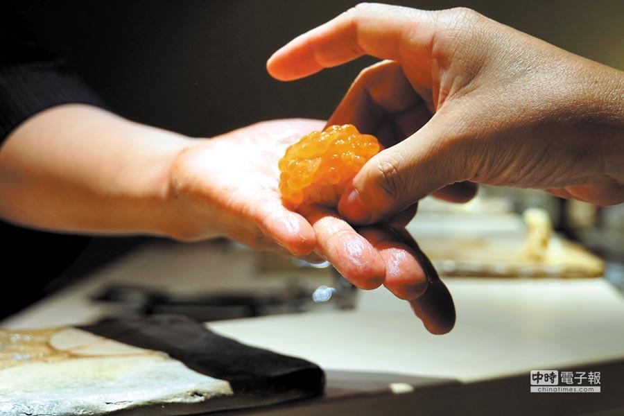 北海道的紫海膽,味道濃郁、甘甜中帶有微微海味。圖/姚舜
