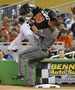 MLB》以為腳踝摔斷 馬林魚沃奎茲硬拚出無安打