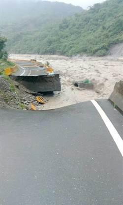 台29線8路基受損封路 那瑪夏居民全撤離