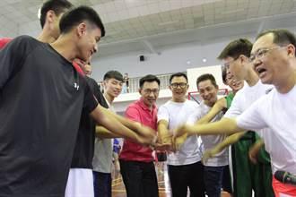 新世代盃國小籃球錦標賽 江啟臣限時投籃募贊助