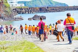 宜蘭組環保艦隊 打撈海洋垃圾