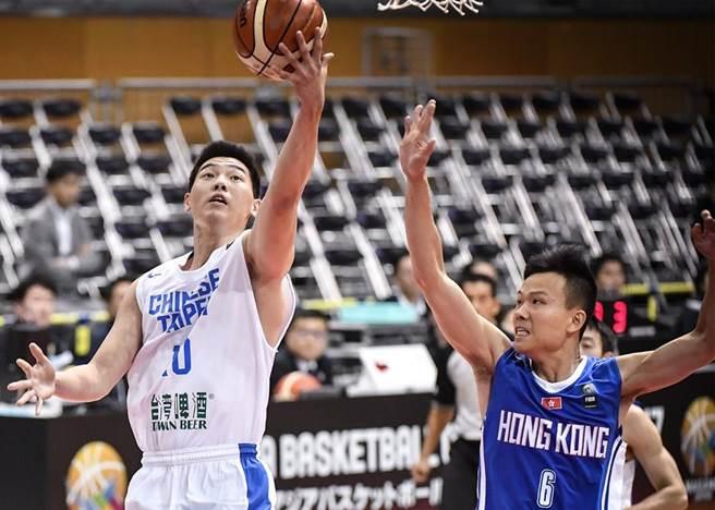胡瓏貿此役挹注9分、4籃板外帶3助攻。(取自FIBA官網)
